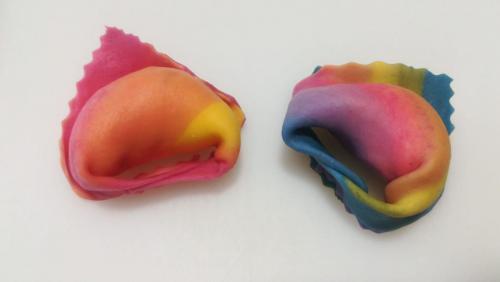 Tortelloni colorati e arcobaleno